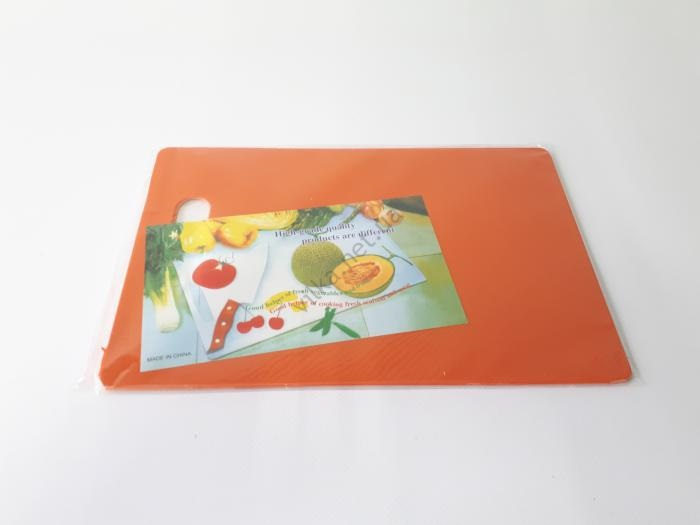 Доска разделочная пластмассовая 19*28 cm, t=0,3 cm.