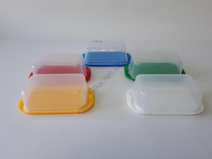 Маслёнка пластмассовая