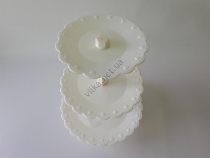 Стойка 3-х этажная пластмассовая белая d 20; 24; 29 cm; h 40 cm.