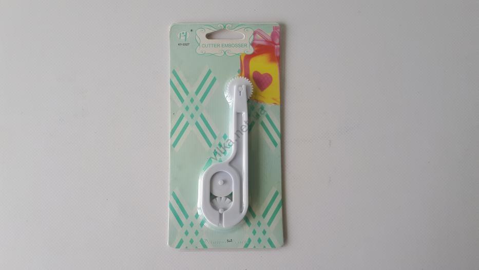Колесо кондитерское пластмассовое для нарезки мастики L 12 cm.