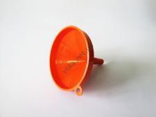 Воронка пластмассовая d 13cm