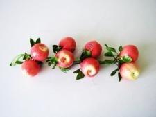 Композиция яблоки  красные в связке из 8-ми