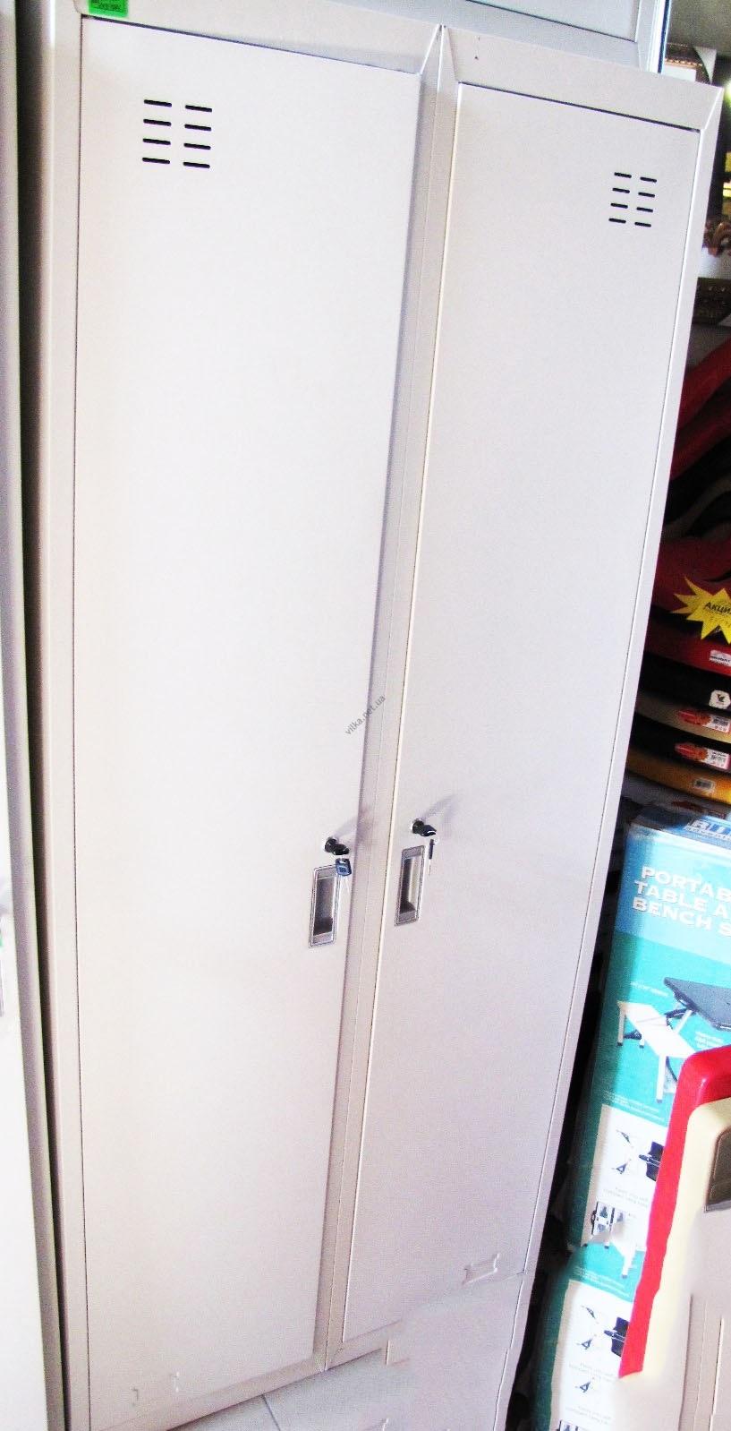 Шкаф металлический двойной белый т= 0,8 мм.