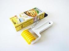 Колесо пластмассовое для нарезки мастики 17 см