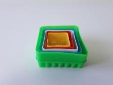 Форма пластмассовая  из 5-ти Квадрат 3,5; 4,3; 5; 6; 7 см.