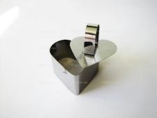Форма нержавеющая для гарнира с выталкивателем сердце 7,5 х 7,5 выс. 4 см.