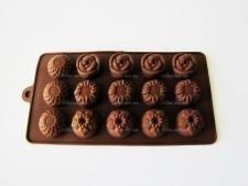 Форма силиконовая из 15-ти  Цветы  в упаковке 17863 - 20 х 11 см.