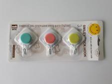 Крючки пластмассовые в наборе из 3-х 5 см. Ромбики