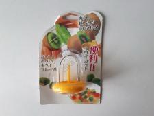 Приспособление металл+пластмасса для очистки киви