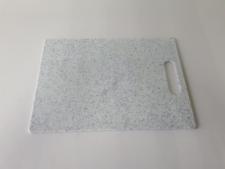 Доска пластмассовая серая крошка 26 х 36 х 0,8 см.