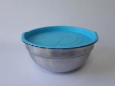 Миска нержавеющая матовая, с пластмассовой крышкой d 28 cm, h 12,5 cm. (5 л.)