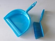 Совочек пластмассовый со щеткой для стола L 28cm., w 21,5cm