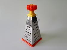 Тёрка  Пирамида нерж+пластм 4-х гр 9 (23см)
