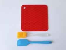 Набор силиконовый из 3-х (1 под горячее+1 лопатка+1 кисточка) 15*15 cm, L 18 cm.